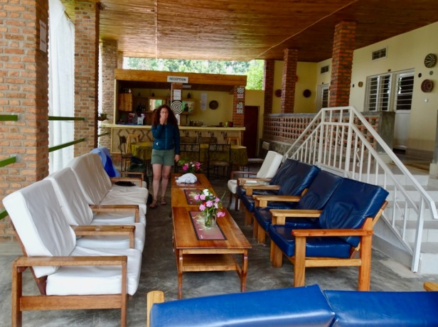kinunu-guest-house-reception-area